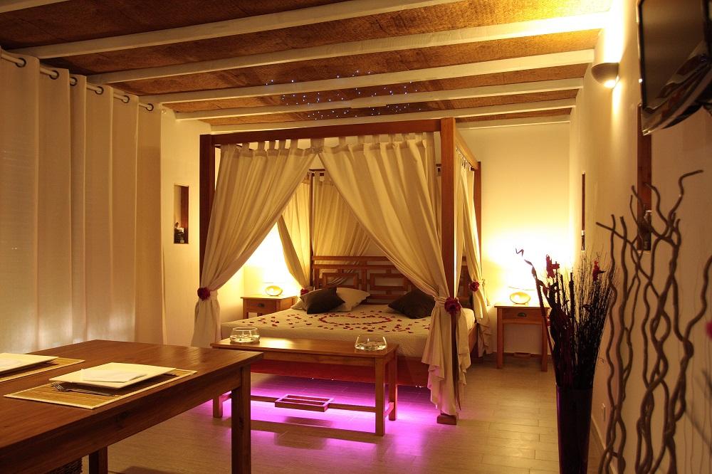 Weekend en amoureux 13 - LA PAILLOTE EXOTIQUE : chambre avec ...